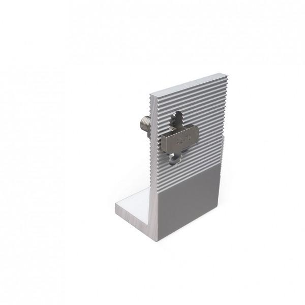 Winkel M10 (Anbindung versetzt)